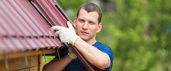 Four Reasons to Call a Roofer for Service This Winter